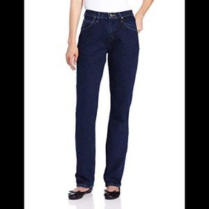 NWT Wrangler Blues easy fit jeans. Size 30x16.